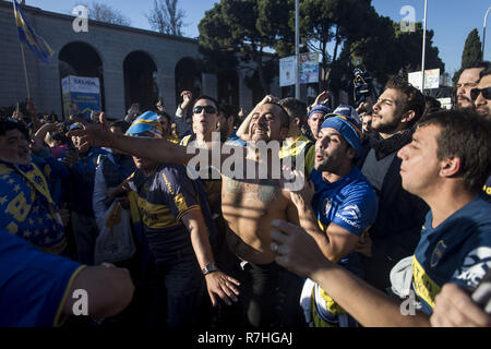 Madrid, Spain. 9th Dec, 2018. Boca Juniors supporters seen celebrating the final of Copa Libertadores between River Plate and Boca Juniors that took place in Santiago Bernarbeu stadium in Madrid. Credit: Bruno Thevenin/SOPA Images/ZUMA Wire/Alamy Live News - Stock Photo