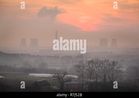 An impressionistic view of Didcot Power Station at sunset from Wittenham Clumps, Oxfordshire, before the South cooling towers were demolished - Stock Photo