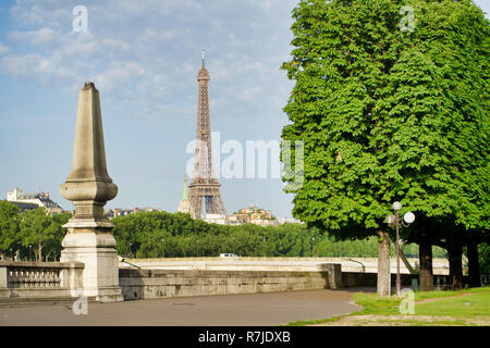 PARIS, FRANCE - MAY 26, 2018: view of the Eiffel Tower from the Seine embankment - Stock Photo