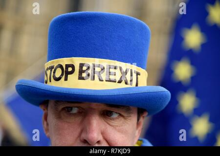 Stop Brexit protester, Westminster, London Credit: Finnbarr Webster/Alamy Live News - Stock Photo