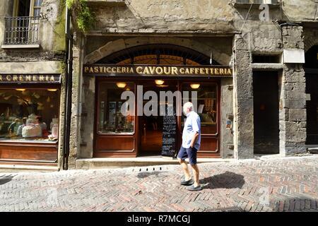 Italy, Lombardy, Bergamo, the Citta Alta (upper citty), Via Gombito, Pasticceria Cavour - Stock Photo