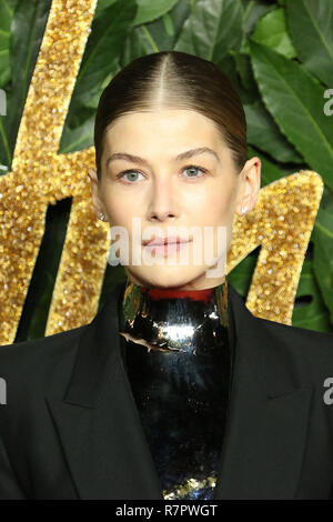 Rosamund Pike, Royal Albert Hall, London, UK. 10th Dec 2018. The Fashion Awards 2018, Royal Albert Hall, Kensington Gore, London, UK, 10 December 2018, Photo by Richard Goldschmidt Credit: Rich Gold/Alamy Live News - Stock Photo