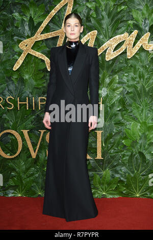 London, UK. 10th Dec 2018. Rosamund Pike at The Fashion Awards 2018 at the Royal Albert Hall, London. Picture: Steve Vas/Featureflash Credit: Paul Smith/Alamy Live News - Stock Photo