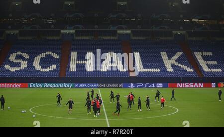 firo Football, 10.12.2018 Champions League Training FC Schalke 04 - Lokomotiv Moscow Team Lok | usage worldwide - Stock Photo