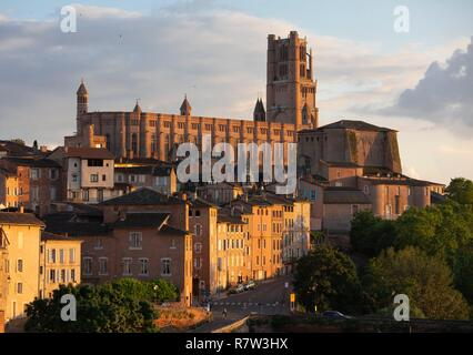 France, Tarn, Albi, Sainte Cecile cathedral and the old city, listed as World Heritage by Unesco - Stock Photo