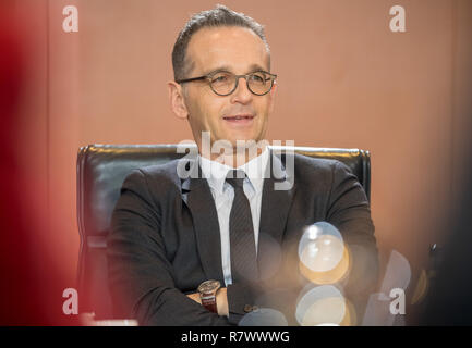 Berlin, Germany. 12th Dec, 2018. Heiko Maas (SPD), Foreign Minister, is waiting for the start of the Federal Cabinet meeting at the Chancellery. Credit: Michael Kappeler/dpa/Alamy Live News - Stock Photo