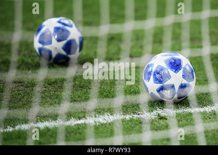 Milan, Italy. 11th Dec 2018. The UEFA ball during the UEFA Champions League football match, Inter Milan vs PSV Eindhoven at San Siro Meazza Stadium in Milan, Italy on 11 December 2018 Credit: Piero Cruciatti/Alamy Live News - Stock Photo