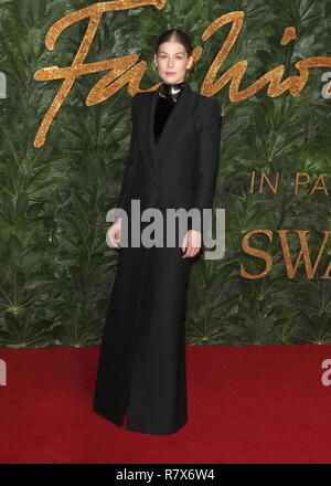 Rosamund Pike seen on the red carpet during the Fashion Awards 2018 at the Royal Albert Hall, Kensington in London. - Stock Photo