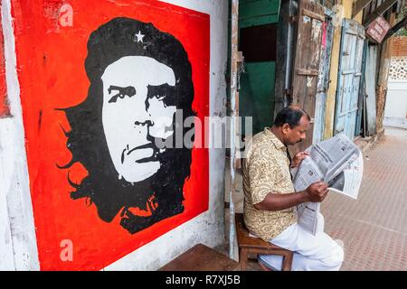 Inde, state of Kerala, Kochi (or Cochin), Fort Kochi district, communist party office - Stock Photo