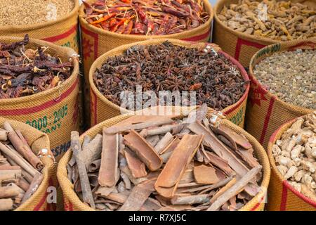 Inde, state of Kerala, Kochi (or Cochin), Fort Kochi (ou Fort Cochin) district, spices shop - Stock Photo