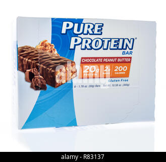 Winneconne, WI - 10 December 2018: A package of Pure protein bar on an isolated background. - Stock Photo