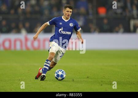 firo Football, 11.12.2018 Champions League FC Schalke 04 - Lokomotiv Moscow 1: 0 single action Alessandro Schopf, Schoepf | usage worldwide - Stock Photo