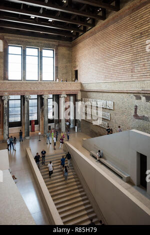 Berlin. Germany. The Neues Museum (New Museum), Museum Island, main staircase hall by David Chipperfield Architects in collaboration with Julian Harra - Stock Photo