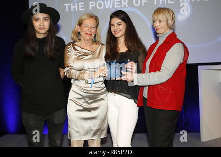 Berlin, Germany. 12th Dec 2018. Jury Member Diana Kinnert (lleft) and the winners KulturistenHoch2 (Hamburg).  On the 12th of December the solemn award ceremony of the initiative 'The Power of the Arts' takes place for the second time in Berlin. With 200,000 euros it is the highest endowed prize for cultural participation in Germany. Credit: SAO Struck/Alamy Live News - Stock Photo
