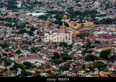 Bull ring and the PARROQUIA DE SAN MGIUEL ARCANGEL as seen from an early morning HOT AIR BALLOON ride - SAN MIGUEL DE ALLENDE, MEXICO - Stock Photo