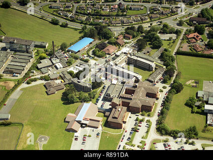 Aerial photo of Scarborough General Hospital off Woodlands Rd showing part of Scalby Rd and the old Yorkshire Coast college - Stock Photo