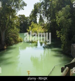 Yardenit, Israel. 28th Oct, 2018. The Jordan River (251 km long) flows through a green valley at Yardenit, the Jordan Rift Valley. It is threatened by dehydration. (28 October 2018)   usage worldwide Credit: dpa/Alamy Live News - Stock Photo