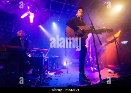 Leeds, UK. 13th Dec 2018. American rock band Mercury Rev in concert at Brudenell Social Club, Leeds, UK, 13 December 2018. Centre is singer Jonathan Donahue. Credit: John Bentley/Alamy Live News - Stock Photo