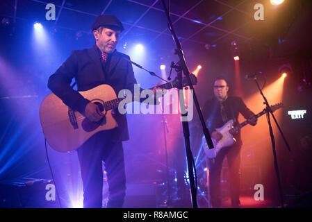 Leeds, UK. 13th Dec 2018. American rock band Mercury Rev in concert at Brudenell Social Club, Leeds, UK, 13 December 2018. Jonathan Donahue and Sean 'Grasshopper' Mackowiak are pictured. Credit: John Bentley/Alamy Live News - Stock Photo