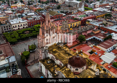 The PARROQUIA DE SAN MGIUEL ARCANGEL as seen from an early morning HOT AIR BALLOON ride - SAN MIGUEL DE ALLENDE, MEXICO - Stock Photo