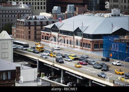 Traffic jam on a bridge in Manhattan, New York, United States. - Stock Photo