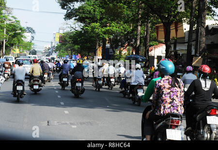 Vietnam: Tons of CO2-emmissions every day are polluting the air in Ho Chi Ming City - Stock Photo
