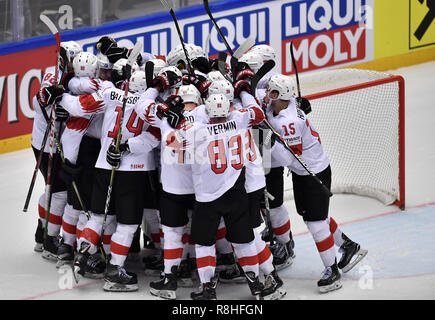 Herning, Denmark. 17th May, 2017. Team Switzerland is celebrating winning the quarterfinal between Finland and Switzerland in the IIHF World Ice Hockey Championship 2018 in Jyske Bank Boxen, Herning, Denmark. Credit: Lars Moeller/ZUMA Wire/Alamy Live News - Stock Photo