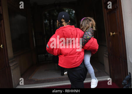 Milan, Italy. 14th Dec, 2018. Milan, Italy. 15th December 2018. Elisabetta Canalis arrives in Milan with her daughter Skyler Eva. in the picture: Elisabetta Canalis, Skyler Eva 14, 12, 2018 Milano Italy Credit: Independent Photo Agency/Alamy Live News - Stock Photo