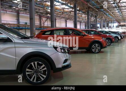 Izhevsk, Russia. 14th Dec, 2018. IZHEVSK, RUSSIA - DECEMBER 15, 2018: Cars assembled at a Lada car factory, part of Avtovaz. Alyona Selezneva/TASS Credit: ITAR-TASS News Agency/Alamy Live News - Stock Photo