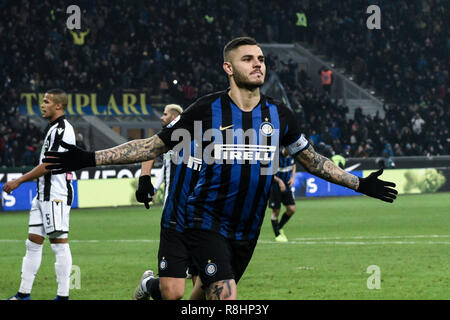 Milan, Italy. 15th Dec 2018. Forward Mauro Icardi (Inter) celebrates after scoring a goal during the Serie A football match, Inter Milan vs Udinese Calcio at San Siro Meazza Stadium in Milan, Italy on 15 December 2018 Credit: Piero Cruciatti/Alamy Live News - Stock Photo
