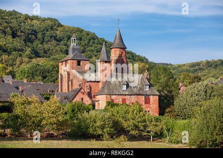 France, Correze, Dordogne Valley, Collonges la Rouge, labelled Les Plus Beaux Villages de France (The Most Beautiful Villages of France), village built in red sandstone - Stock Photo