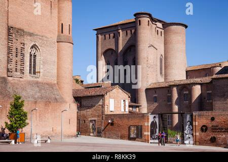 France, Tarn, Albi, the episcopal city, listed as World Heritage by UNESCO, the Palais de la Berbie which contains the Toulouse Lautrec museum - Stock Photo