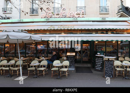 The famous cafe Le Select decorated for Christmas , Paris, France. - Stock Photo