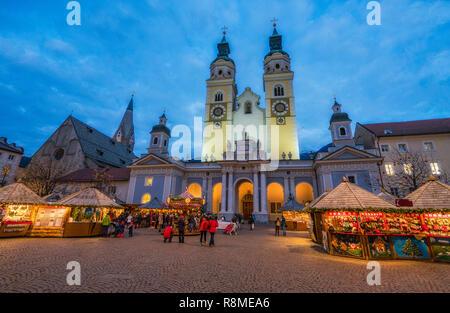 Bressanone Christmas market in the evening. Trentino Alto Adige, northern Italy. - Stock Photo