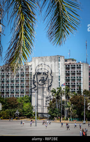 Che Guevara sign on the ministry building in revolution square in Havana Cuba - Stock Photo