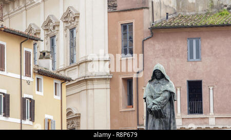 Giordano Bruno statue in Campo de Fiori, Rome, Italy Campo de Fiori, meaning field of flowers, is one of the main and lively squares of Rome - Stock Photo