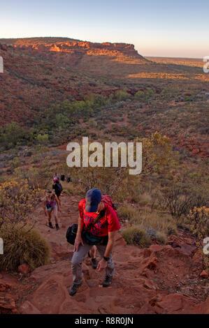 Hikers climbing on the rim walk at Kings Canyon - Stock Photo