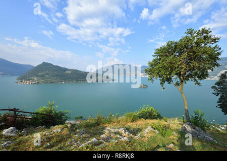 Italy, Lombardy, Iseo lake (Il Lago d'Iseo), Monte Isola island and Loreto Island - Stock Photo