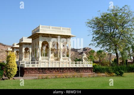Cenotophs of the Royal rulers of Jodhpur Marwar Kings Jaswant Thada Rajashan India - Stock Photo