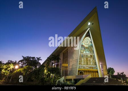 Papua-New-Guinea, Gulf Papua area, National Capital District area, Port Moresby town, national Parliament built like spirits houses of Maprik area, launched by Prince Charles (1984) - Stock Photo