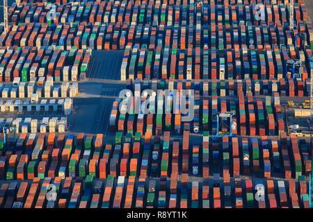 France, Bouches du Rhone, Gulf of Fos sur Mer, Marseille's Grand Port Maritime, Fos sur Mer, Graveleau Mole, container terminal (aerial view)
