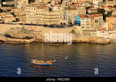 France, Bouches du Rhone, Marseille, 7th district, Endoume district, Malmousque cove, Paul Ricard square on the Corniche of President John Fitzgerald Kennedy (aerial view) - Stock Photo