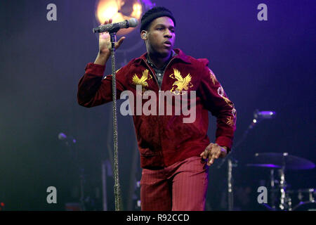 American singer/songwriter Leon Bridges performing during the 1st of 2 sold out nights at the O2 Academy Brixton in London on Saturday 17th November 2018 (Photos by Ian Bines/WENN)  Featuring: leon bridges Where: London, United Kingdom When: 17 Nov 2018 Credit: WENN.com Stock Photo