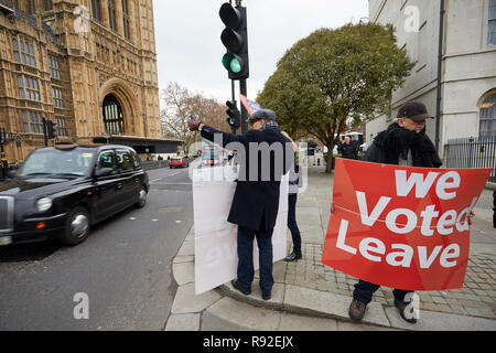 London, UK. - 18th December 2018: Leave campaigners opposite Parliament with 100 days to go until the U.K. leaves the E.U. Credit: Kevin J. Frost/Alamy Live News - Stock Photo