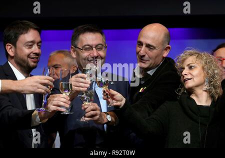 Barcelona, Spain. 19th Dec, 2018. FC Barcelona's President, Josep Maria Bartomeu (2-L), toasts with media members during the traditional Christmas lunch offered to members of media in Barcelona, Catalonia, Spain, 19 December 2018. Credit: Alejandro García/EFE/Alamy Live News - Stock Photo