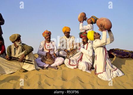rajasthani folk musicians, rajasthan, india - Stock Photo