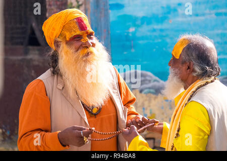 Hindhu Sadhus ( holy men ) at Pashupatinath temple, Kathmandu, Nepal - Stock Photo