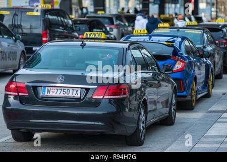 Taxi cabs at Hauptbahnhof railway station, Vienna, Austria - Stock Photo