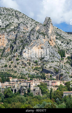 The village Moustiers-Sainte-Marie in the Alpes-de-Haute-Provence, Provence-Alpes-Côte d'Azur, Provence, France - Stock Photo