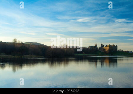 Linlithgow Palace and Linlithgow Loch, Linlithgow, West Lothian - Stock Photo
